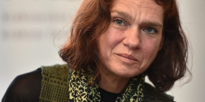 Turkey: Lift Travel Restrictions Imposed on Writer Aslı Erdoğan